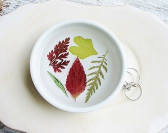 Leaf Mix Ring Dish, Real Leaf Ring Dish, Botanical Gift, Floral Ceramic Dish, Pressed Flowers Jewelry Dish, Jewelry Catchall