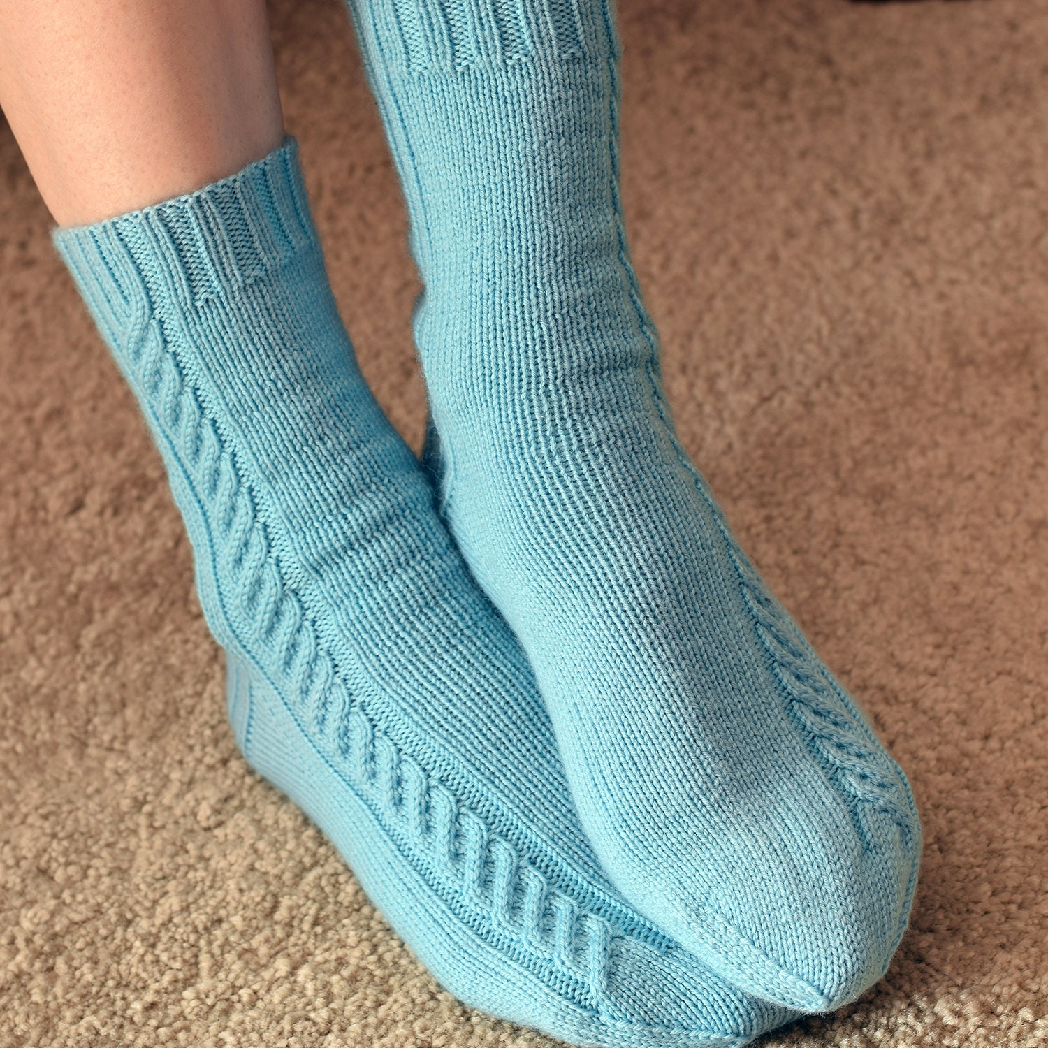 Nice Cable Knit Sock Pattern Gallery - Sewing Pattern for Wedding ...