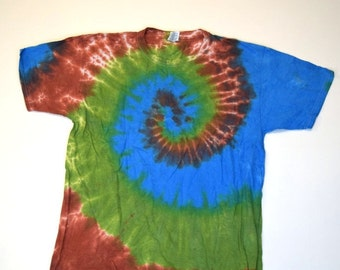 Cuzco Spiral Tie Dye T-Shirt  (Fruit of the Loom Heavy Cotton HD Size L) (One of a Kind)