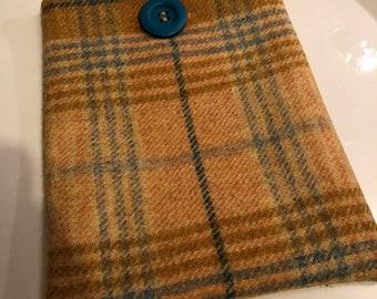 Handmade Kindle/e-reader case, Abraham Moon wool, mustard yellow
