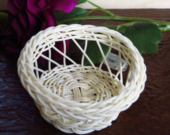 10 PLASTIC Basket,Woven Basket,round SHAPE Basket,Wedding basket,Bridal Shower,Baby Shower,Wedding Favor Candy basket,Gift for Guests W2-258