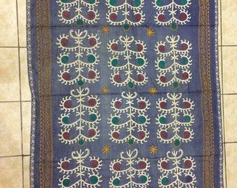 gray suzani fabric,jellyfish model  suzani