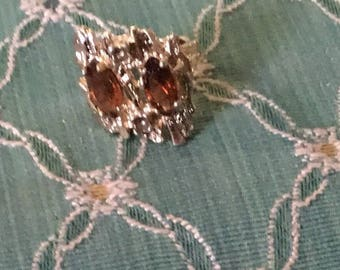 70s Gold an amber brown ring