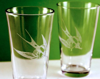 2 Swallow Bird Etched Pint Glasses