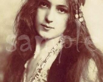 VINTAGE photo DIGITAL DOWNLOAD princesse Art imprimable Antique photographie victorienne belle femme Bohème Boho Princesse Czardas