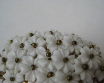 Flower Cluster White Brooch Gold Vintage Pin