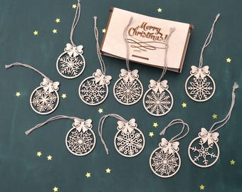 Christmas Ornament WOODEN SNOWFLAKE Set of 10 // Wood Christmas Decoration - Laser Cut Wood Snowflake Ornament - Wooden Christmas Ornaments