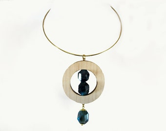 Gold-plated collar with maple wood and blue Agate