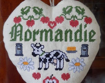 """heart hanging """"Normandy"""" embroidered in cross stitch"""