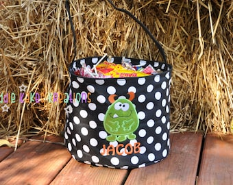 Personalized Halloween Candy Bucket with Monster Design / 4 Bucket Colors
