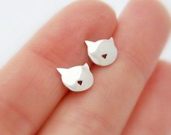 Kitty earrings - sterling silver cat earrings studs