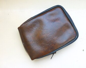 Zip top camera case, vintage camera case, brown camera case, fake leather, fully lined, belt clip, retro camera case, vintage, gift idea