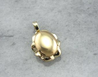 Vintage Elements: Scalloped Gold and Signet Top Pendant  CQ5FQL-D