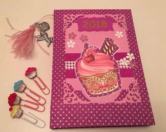 Lovely 2018 calendar day by page handmade cover