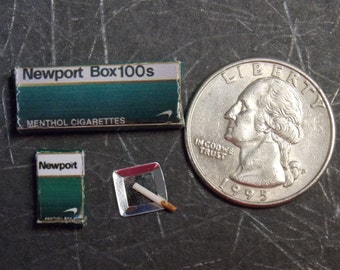 Dollhouse Miniature Cigarette Set NP  1:12 One Inch Scale H101