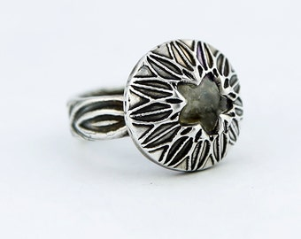 Captured Labradorite Star Textured Sterling Silver Ring