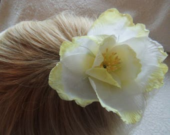 Flower Hair Comb, Spring Wedding Hair Comb, Yellow Rose Accessory, Silk Hair Slide, Pretty Hair Ornament
