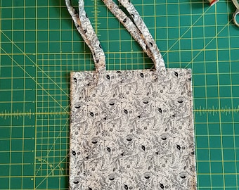 Black and White Floral #2 Print Fat Quarter Tote Bag, Fabric Gift Bag, Small Cotton Tote