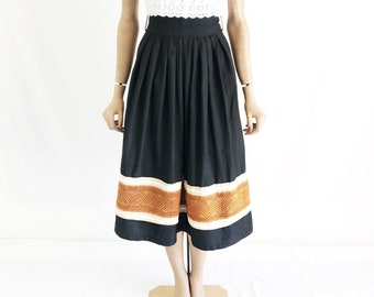 Vintage 70's India Cotton High Waisted Midi Skirt. Size X Small