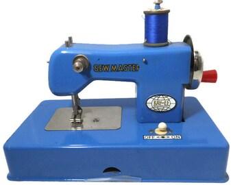 Vintage KayanEE Sew Master Toy Sewing Machine Blue, Miniature Metal Toy, Sewing Gift, Sewing Room Display, Original Instructions