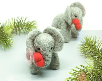 Little Elephant with heart, Needle Felt little elephant, perfect gift for the one you love. Ideal as a Mother's day gift