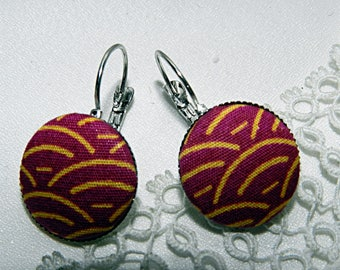 Fuchsia fabric earrings with waves