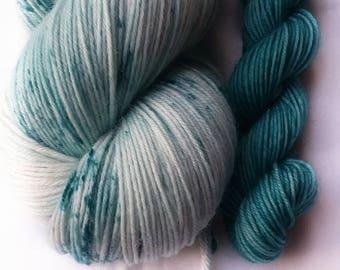 Hand dyed yarn, Dragonfly, 75/25 super wash merino wool/nylon yarn, teel green speckled yarn. teel green mini skein, sock yarn