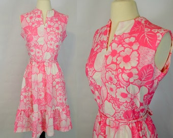 1970s Hot Pink and White Floral, Hibiscus Print Sleeveless Dress