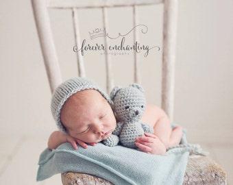 Newborn knit buddy bear set