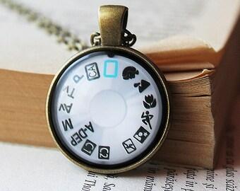 Camera Dial Pendant - Camera Dial Necklace - Gift for Photographer - Photographer Gift -Camera Jewelry  Photography Necklace -  Jewelry
