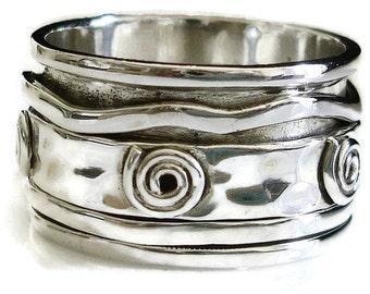 Hammered Sterling Silver Spiral Detail Spinner Ring, Meditation Ring, Thumb Ring, Mens Spinner Ring, Stress Rings, Mistry Gems, SP24