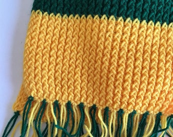 Vintage handmade green and gold scarf // handknit scarf // Packers scarf