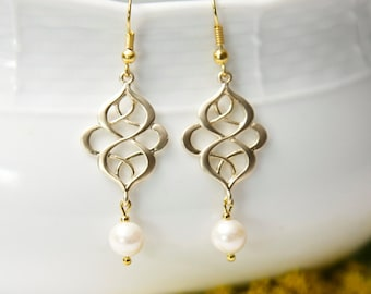 Gold dangle earrings, with Swarovski Pearls. Gold Pearl Earrings.