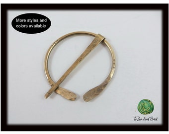 Shawl Pin Brass Shawl Pin Penannular Shawl Pin Hammered with Accent Lines