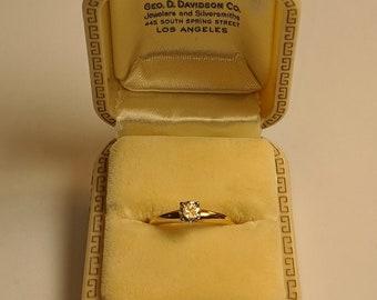 Art Deco 1930s Celluloid Ring Presentation Box—top condition!
