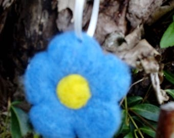 5 felted flowers in the set, felted flowers