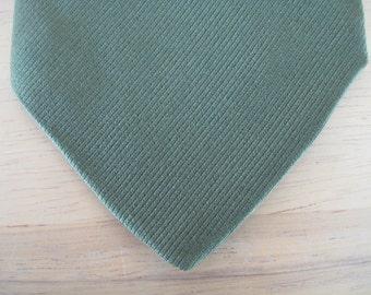 Vintage Worth & Worth 1940s Silk Necktie in Muted Green / 40s silk tie,  48 x 3 1/2 inches
