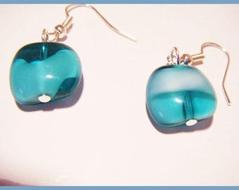 Transparent green earrings