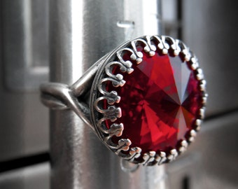 Swarovski Crystal Red Ring, Red Rivoli Ring w Vintage Style Crown Antiqued Silver Adjustable Ring, Blood Red Goth Gothic Jewelry Ring CR14