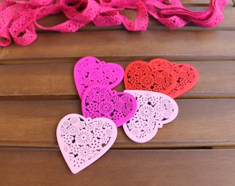 3 Charm beads heart lace ROSE wood