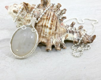 Agate Pendant Necklace Statement Necklace Gemstone Necklace Silver Wire Wrapped Pendant Wire Wrapped Necklace Jewelry Womens Gift for Her