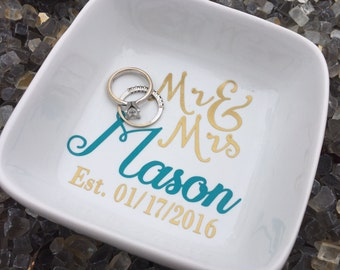 Custom Ring dish, personalized jewelry holder, personalized ring dish, newlyweds gift, bride to be gift, engagement dish