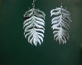 leaf earrings , silver leaf earrings