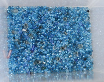22g of blue and turquoise seed beads