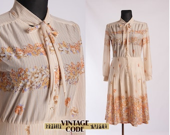 Cream white beige Floral 70s Day dress / 70s vintage Tie Casual Floral Long sleeve dress / Finnish vintage / Large to Extra Large