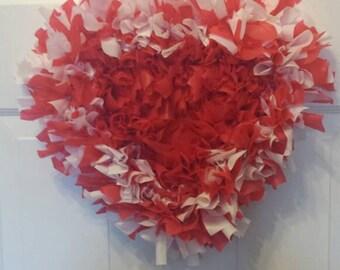 Valentine wreath / heart wreath / front door wreath / door wreath / holiday wreath / plastic