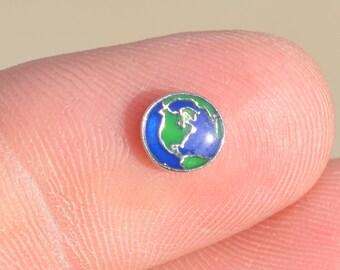 1 Memory Locket Planet Earth  Charm   FL166