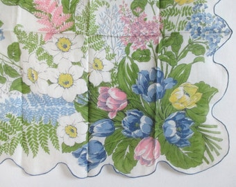 Printed Hankie Large Spring Bouquet Scalloped