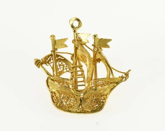 18k Ornate Scroll Filigree Pirate Ship 3D Boat Charm/Pendant Gold