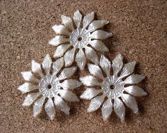 6 Vintage flowers beads, lucite pearlized 33mm, RARE